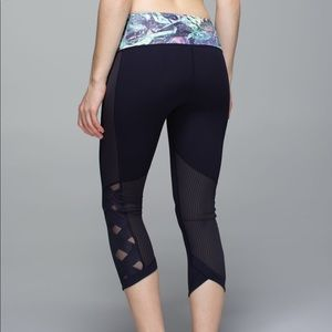 Lululemon Var City Crop Legging Size 6